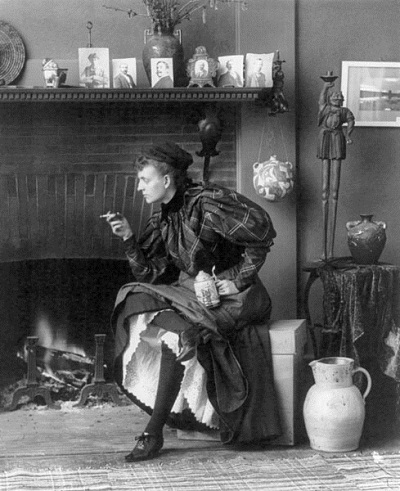 Frances Benjamin Johnston, Self-Portrait, 1896. Collection of the Library of Congress, Washington.