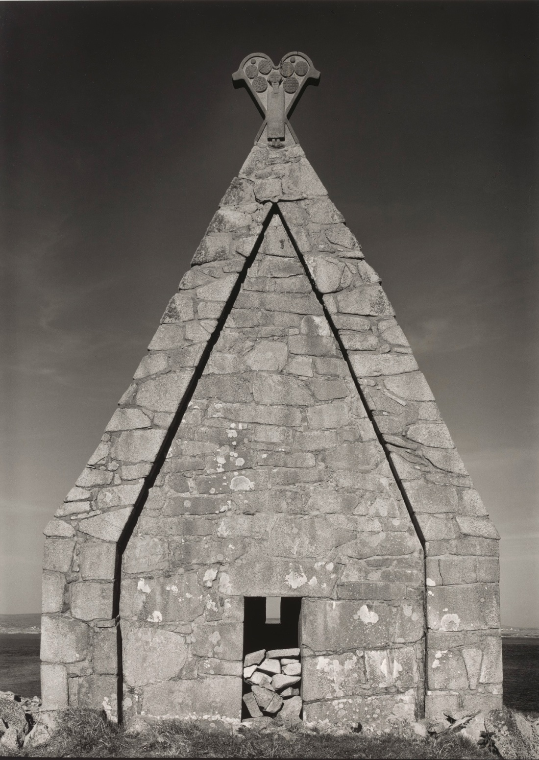 Paul Caponigro, Saint MacDara's Church, Ireland, 1987.