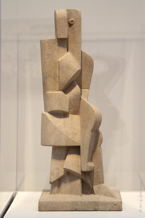 Jacques Lipchitz, Seated Figure, 1917. Collection of the Art Institute of Chicago.