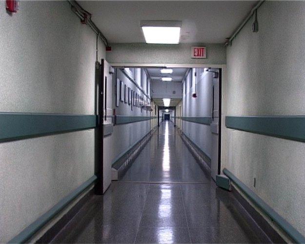 Catherine Yass, Corridor Walk (still), 2002.