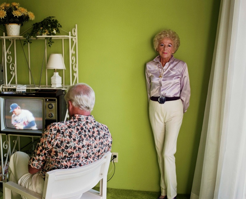 Larry Sultan, My Mother Posing for Me, 1984.