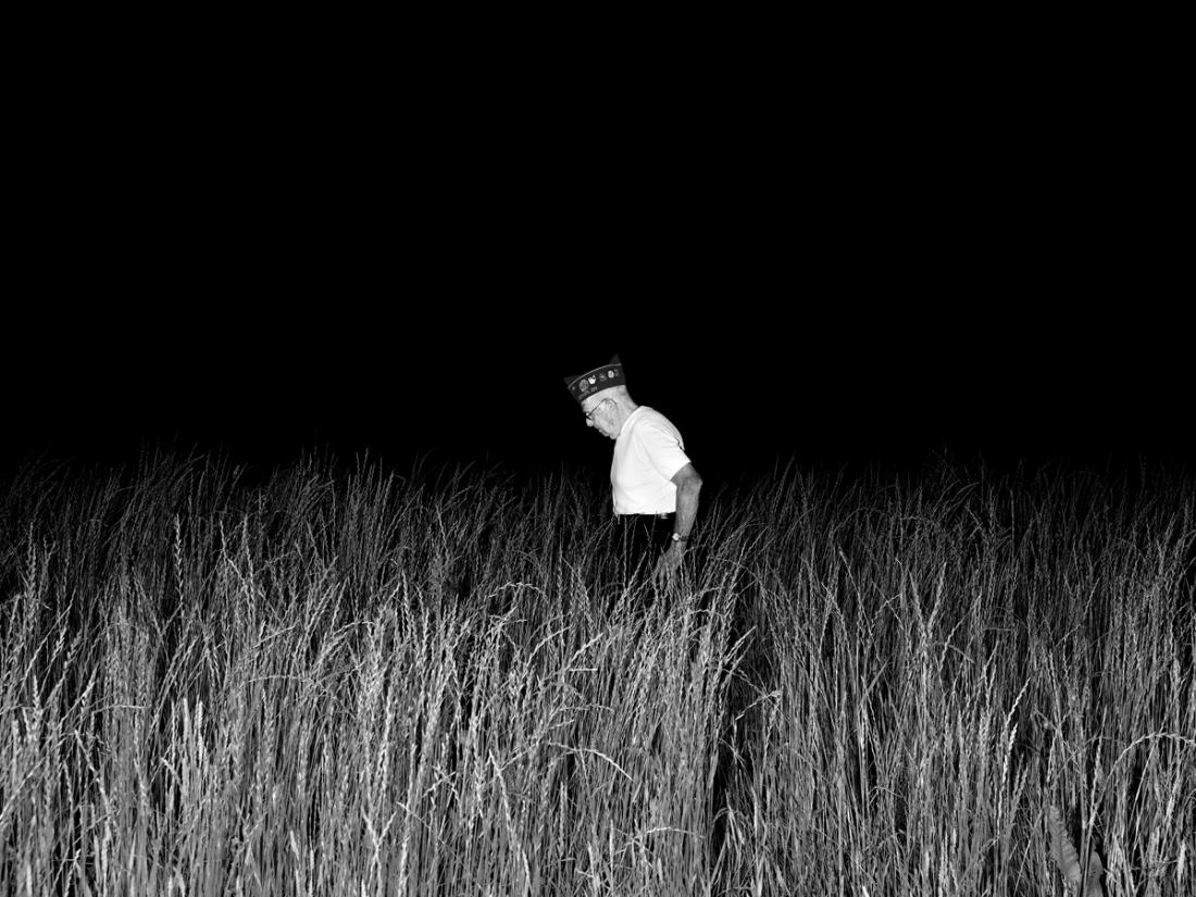 Alec Soth, Dover Burial Park, Dover, Ohio, 2012.