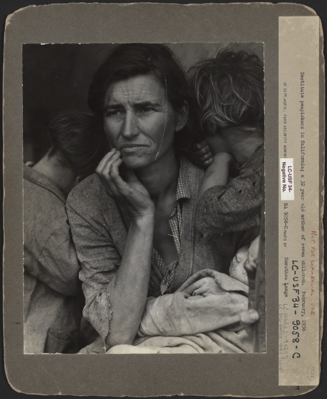 Dorothea Lange, Migrant Mother, 1936. Collection of the Library of Congress, Washington.