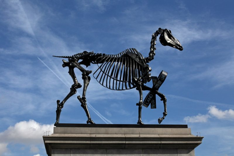 Hans Haacke, Gift Horse, 2015.
