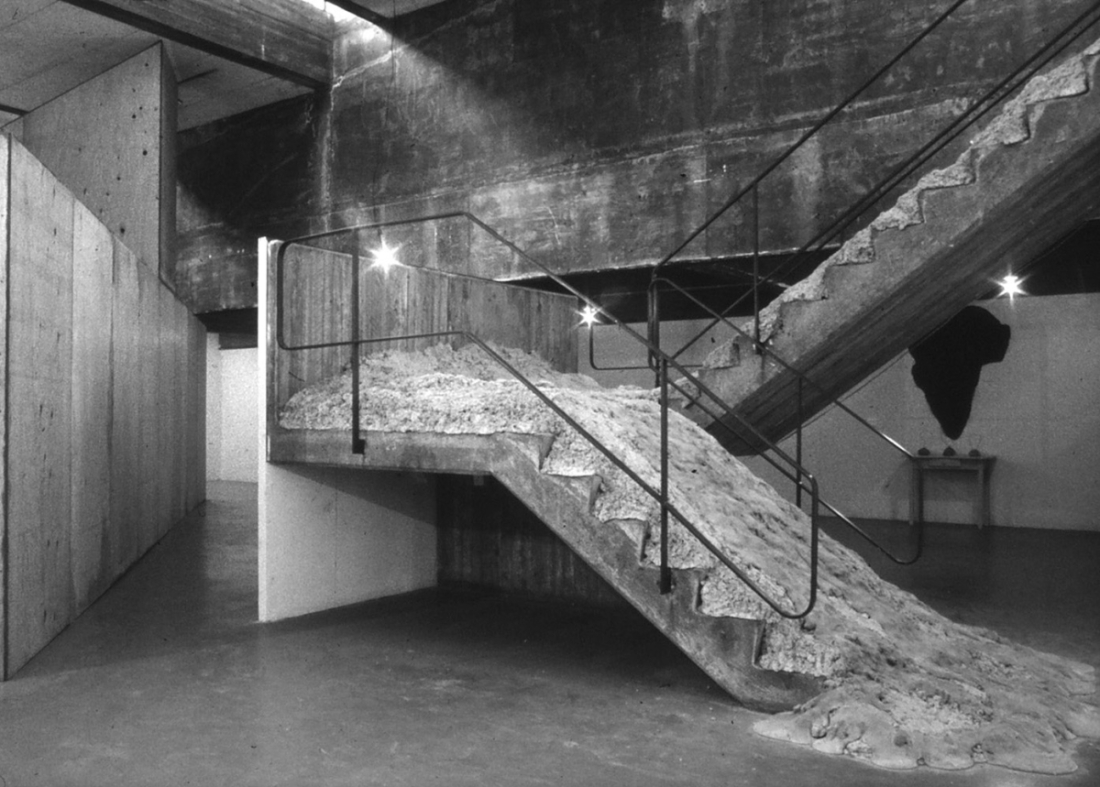 David Ireland, Smithsonian Falls, Descending a Staircase for P.K., installation for the exhibition David Ireland: Gallery as Place, San Francisco Art Institute, 1987. Simo Neri photograph.
