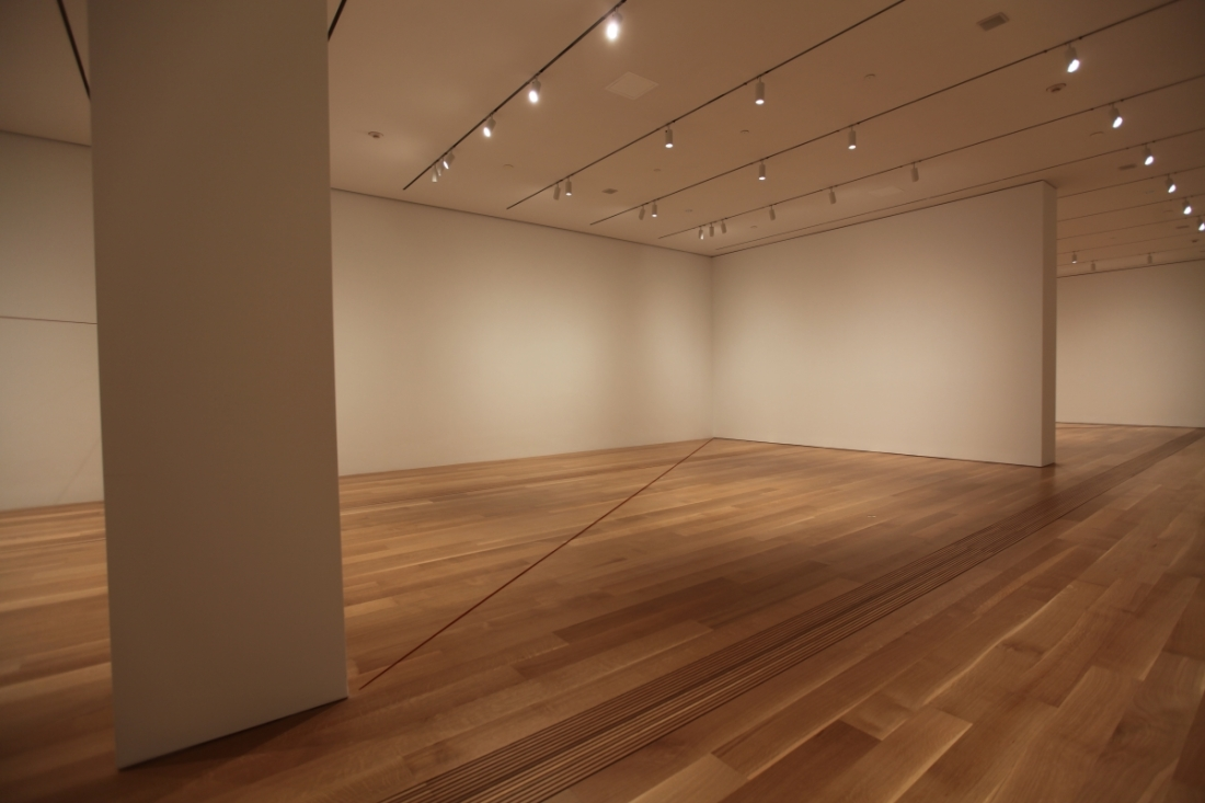 Installation view of Fred Sandback 64 Three-part Pieces [Permutation No. 20], Pulitzer Arts Foundation, 2015.