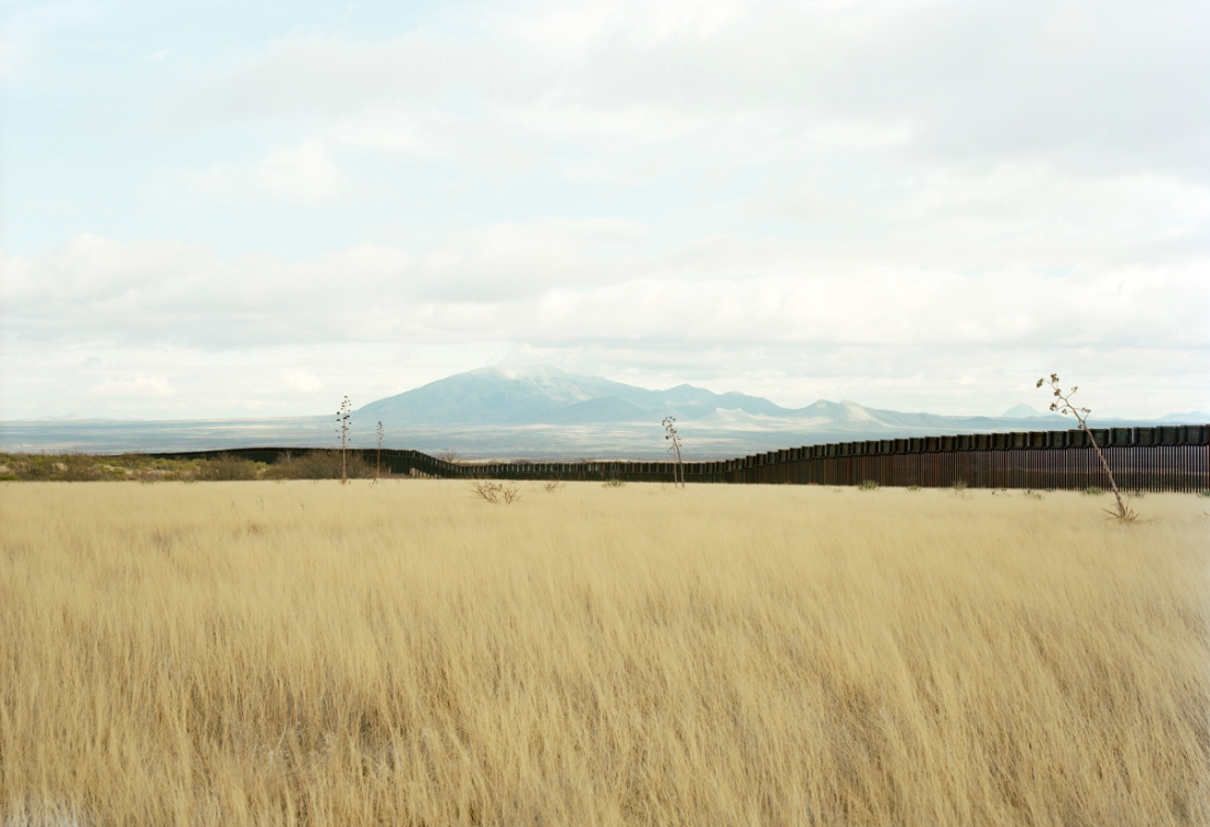 Victoria Sambunaris, Untitled (Border view south with grasslands), Hereford, AZ 2010.