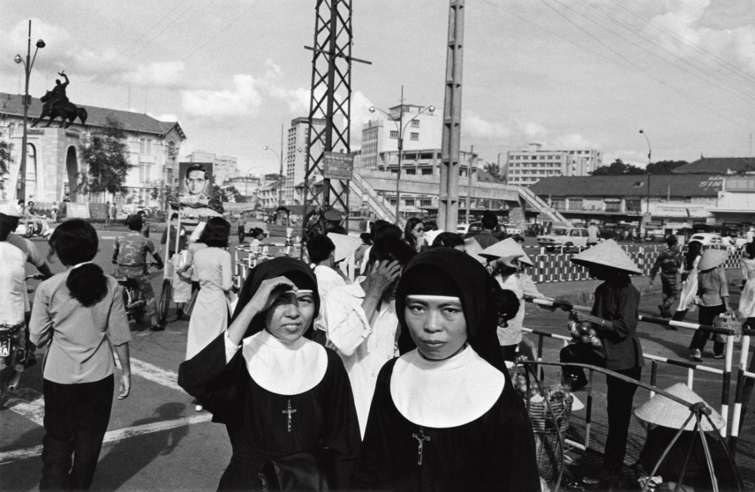 Anthony Hernandez, Saigon #1, 1972.