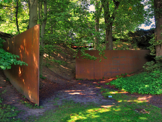 Richard Serra, The Gate and the Gorge, 1986.